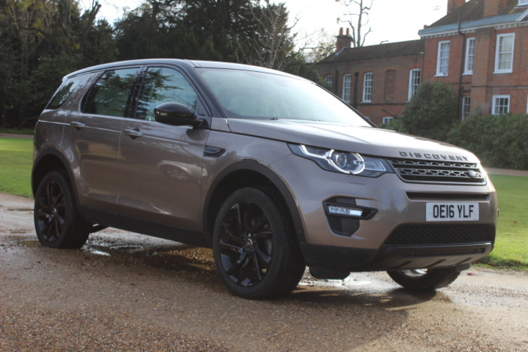 Land Rover Discovery Sport HSE Lux<br />2016 Kaikoura Stone 4X4 £30,500