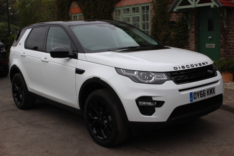 Land Rover Discovery Sport HSE 4x4<br />2016 Fuji White 4X4 £36,000